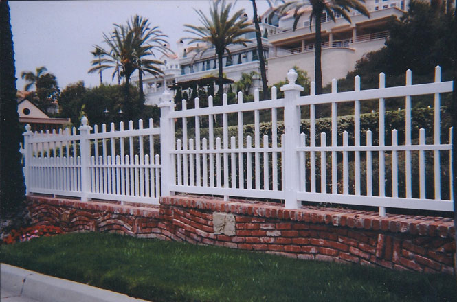 Superior Colonial Wood Look Vinyl Fence   F601